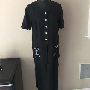 Dresses & Skirts - 100% linen black Aztec jumper button down